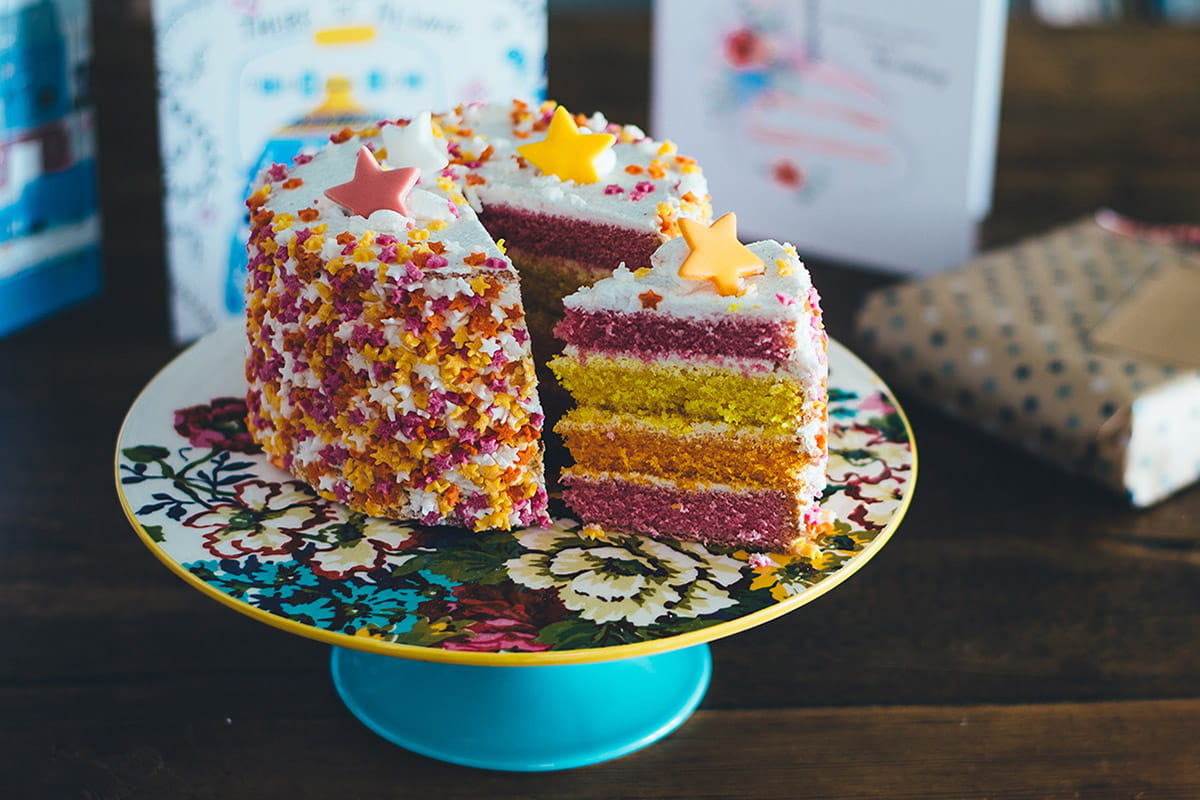 i-tried-cake-decorating-and-this-is-what-happened1200x800.jpg