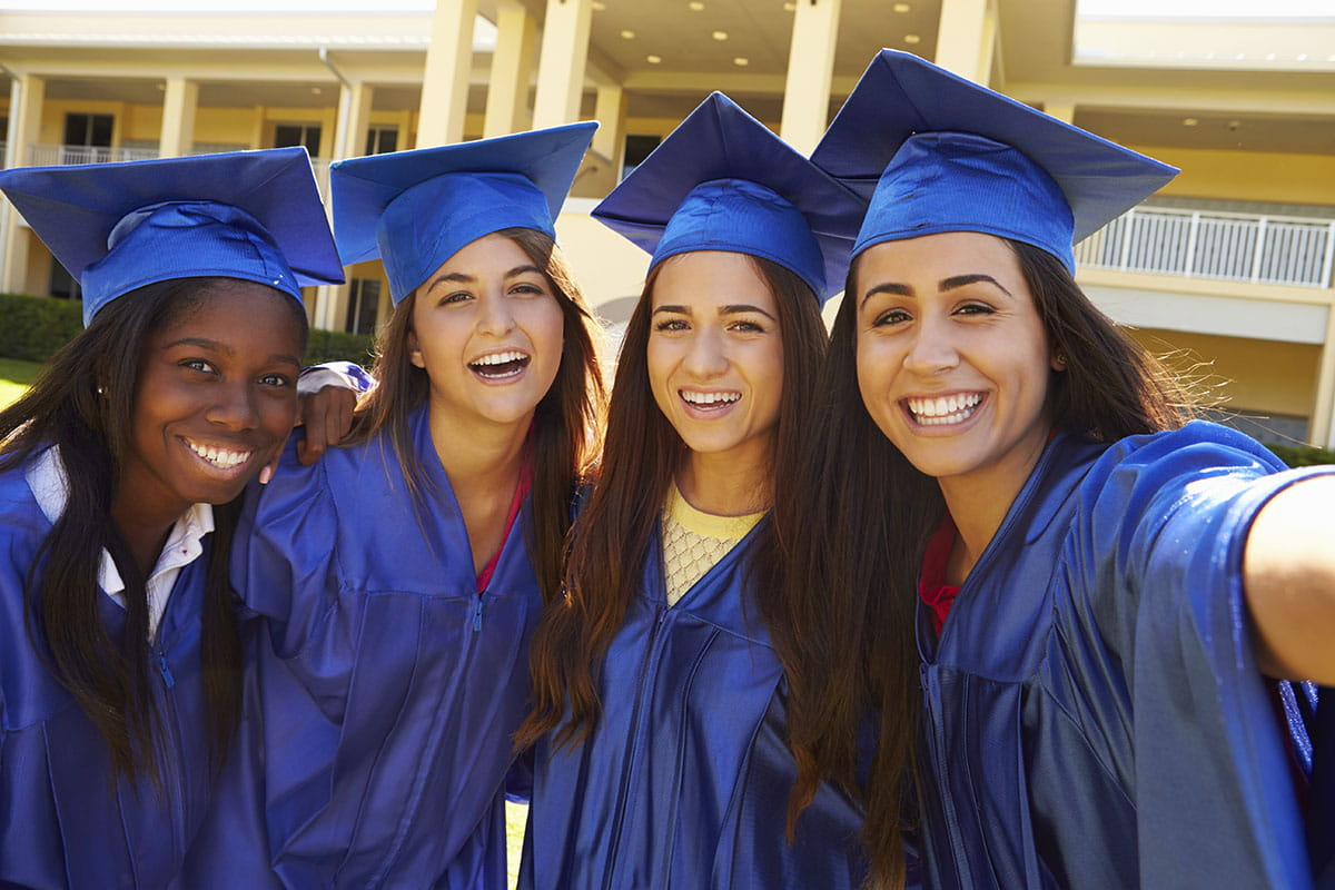 scholarships-for-women1200x800.jpg