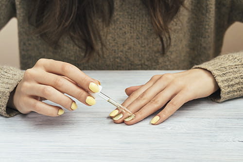 5 best non toxic nail polish brands