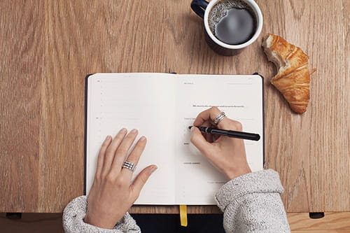 6 reasons you should be taking notes by hand