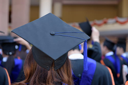 what to know about graduating in the fall